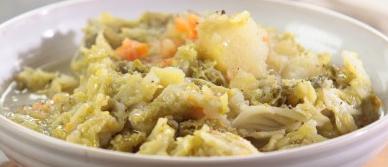 preparare la zuppa di verza
