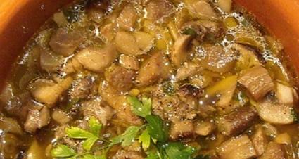 preparare una zuppa con funghi porcini